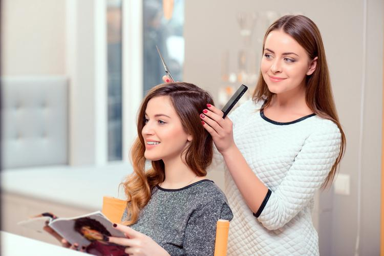 美容師はどんな人が多い?気になる人間関係について